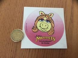 AUTOCOLLANT, Sticker, Chromo «MUPPETS (PEGGY LA COCHONNE) - Schokodessert Für Kinder» 1987 - Adesivi