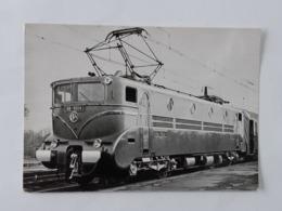 Trains - Gare - Chemin De Fer - Carte Locomotive Envoyée Vers Villemomble ... Lot140 . - Trains