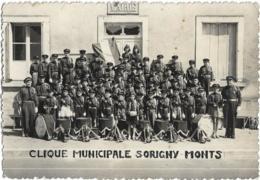 D37 - SORIGNY MONTS -CLIQUE MUNICIPALE SORIGNY MONTS-Musiciens Devant La Mairie-CPSM Dentelée Grand Format Noir & Blanc - Francia