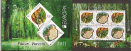 """MOLDAVIA - EUROPA 2011 -TEMA ANUAL  """" BOSQUES"""".- CARNET Con HOJA BLOQUE De 3 SERIES -DENTADA (PERFORATED) - 2011"""