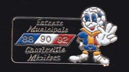 65833- Pin's-Football.Entente Municipale Charleville-Mézières. - Fussball