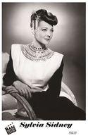 SYLVIA SIDNEY (PB15) - Film Star Pin Up PHOTO POSTCARD - Pandora Box Edition Year 2007 - Femmes Célèbres