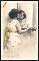 D7966 - Hübsche Junge Frau Mit Im Kleid - Mode Frisur - Coloriert - Pretty Young Women - Mode