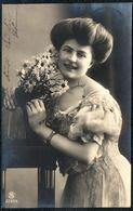 A9954 - Hübsche Junge Frau Im Kleid - Mode Frisur - Pretty Young Women - Mode