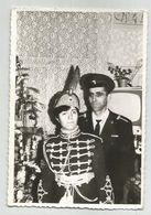 Man And Woman With Uniforms Za493-362 - Persone Anonimi