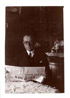 Photo Originale Lecture & Lecteur Du Journal Lectures Du Soir Vers 1930 - Persone Anonimi