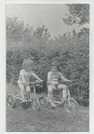 Children With Tricycles Za562-362 - Persone Anonimi