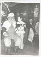 Santa Claus In The Restaurant Za503-362 - Persone Anonimi