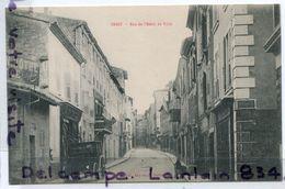 - 18 - CREST ( Drôme ), Rue De L'Hôtel De Ville, Calèche, Hôtel, Animation, Non écrite, Cliché Peu Courant, TBE, Scans.. - Crest