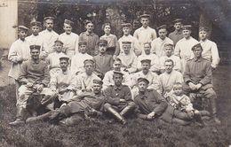 AK Foto Gruppe Deutsche Soldaten Im Lazarett - 1. WK (51113) - Guerra 1914-18