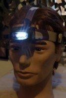 LAMPE FRONTALE A LED  DE L'ARMEE FRANCAISE , UNE LED ROUGE (FIXE OU CLIGNOTANTE ) ET TROIS LEDS BLANCHES ( 2 NIVEAUX D'E - Equipement