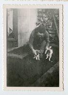 Snapshot Femme Woman Pet Dog Chien Bebe Chiot - Persone Anonimi