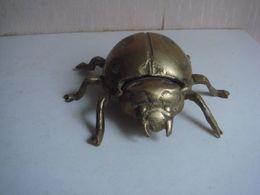 Cendrier Laiton Scarabé Longueur 12 Cm - Bronzes