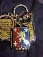 Llavero  Portaclé Heraldic  A Nombre De NIETO - Andere Verzamelingen