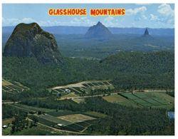 (B 18) Australia - QLD - Glasshouse Mountain / Pineapple Field - Otros