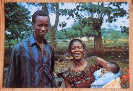 Vavoua - Côte D'Ivoire - Une Famille - Couple Avec Enfant / Bébé - (n°18013) - Côte-d'Ivoire