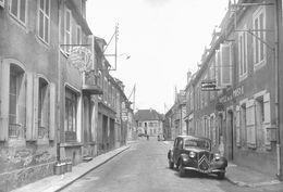 7639 - 58 - NIEVRE - SAINT SAULGE - Rue Du Commerce - Hôtel Des Postes - Autres Communes