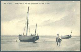 DE PANNE -  1908 - LA PANNE - BARQUES DE PECHE ECHOUEES SUR LA PLAGE  - Lot 21773 - De Panne