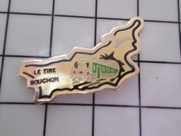 316c Pin's Pins / Beau Et Rare / THEME : ALIMENTATION / RESTAURANT LE TIRE-BOUCHON TRAIN SORTANT D'UN TUNNEL - Alimentación