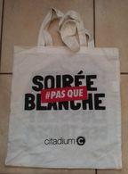 Sac Tissu Citadium Soirée Pas Que Blanche Les Bonnes Soirées Laissent Des Traces - Purses & Bags