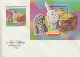 Enveloppe  FDC  1er  Jour    MADAGASCAR    Bloc  Feuillet     Chats  Et  Chiens    1985 - Hauskatzen