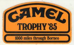 AUTOCOLLANT . STICKER .CAMEL  TROPHY  85  . 1000 MILES THROUGH  BORNEO - Pegatinas