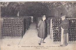 51 REIMS Maison Clicquot ,vendange En Champagne ,remuage ,marcophilie Tampon Commission Militaire Orry La Ville - Reims