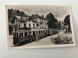Carte Postale Ancienne TANINGES La Place Docteur Humbert - Taninges
