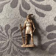 KINDER METAL / INDIEN LONE WOLF - CUIVRE - Metal Figurines