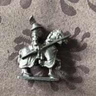 FIGURINE EN PLOMB / SOLDAT SAMOURAÏ A CHEVAL - Soldats De Plomb
