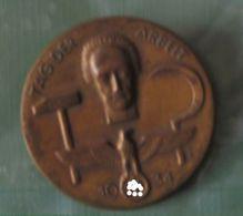MEDAILLE Journee  Du Ravail 1934 - Allemagne
