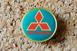 Pin's MITSUBISHI Logo Bleu époxy Diamètre 21mm - Mitsubishi
