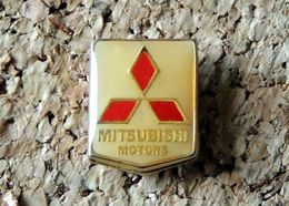 Pin's MITSUBISHI Logo Forme écusson époxy Fabricant Inconnu - Mitsubishi