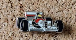 Pin's HONDA Formule 1 - MC LAREN MARLBORO - émaillé à Froid époxy - Fabricant LOCOMOBILE (94) - Honda
