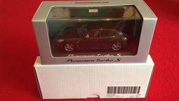 Porsche Panamera Turbo S (2014) Carboxylique Gris 1/43 Minichamps - Minichamps