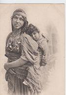 TUNISIE -  251 - Bédouine Tunisienne Et Son Enfant  ( - Timbre à Date De 1911 ) - Tunisia