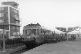 """Le Touquet-Aéroport. Autorail RGP. Rapide 402 """"La Flèche D'Argent"""" Pour Paris. Cliché Jacques Bazin. 24-04-1974 - Treinen"""