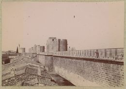 Les Remparts D'Aigues-Mortes (Gard). Tirage Citrate Circa 1900-1910. - Orte