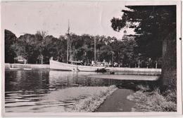 Photo Format 9x14  : Pont - L'Abbé (29)   Le Bateau Her Ken    Plis Et Froissures    Voir Scan - Orte