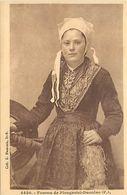 - Finistère- Ref-E692- Plougastel Daoulas - Jeune Femme - Coiffe  - Coiffes - Costumes - Folklore - - Plougastel-Daoulas