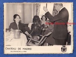 Photo Ancienne - VILLEFRANCHE Sur MER - Château De Madrid - Spectacle Chien Humanisé ? - Race à Identifier - Orte