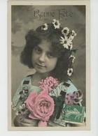 ENFANTS - LITTLE GIRL - MAEDCHEN - Jolie Carte Fantaisie Portrait Fillette Avec Marguerites Dans Les Cheveux - Portraits