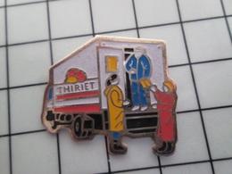 316c Pin's Pins / Beau Et Rare / THEME : TRANSPORTS / CAMION DE LIVRAISON SURGELES THIRIET - Transportes