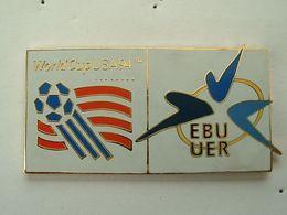 Pin's FOOTBALL - WORLD CUP USA 94 - EBU UER - UNION EUROPEENNE DE RADIODIFFUSION - Fussball