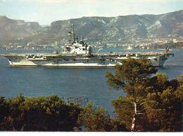 """Bateaux De Guerre Marine Porte-Avions """"Foch"""" Dans La Rade De Toulon - Guerre"""