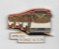 Pin's  Région, Bus , AMICALE  ALSACE  U.T.N - Transportes