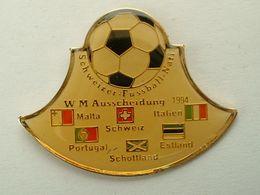 Pin's FOOTBALL - WORLD CUP USA 94 - TOUR PRELIMINAIRE EUROPE : MALTE - PORTUGAL - SUISSE - ECOSSE - ESTONIE - ITALIE - Fussball