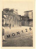 FONTARRABIE - AVRIL 1927 LA PORTE FORTIFIEE - PHOTO ANCIENNE 8,5x6 Cms - Places