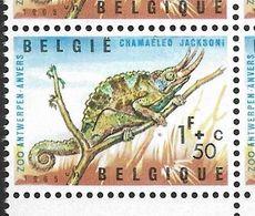 1344-V1 En Bloc De 4 Timbres Coin De Feuille P4 T29 Tache De Couleur Sous La Patte (Alb. Noir N° 42) - Variétés Et Curiosités