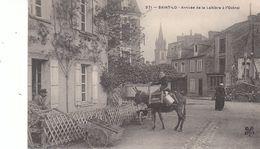 Saint Lo.Arrivée De La Laitière à L'Octroi. Laitiière Sur Un âne Et Contrôleur. - Saint Lo